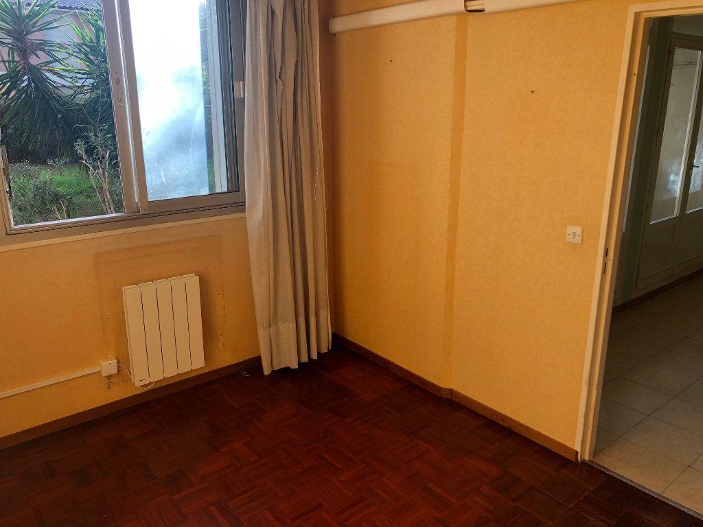 Appartement à vendre 4 65m2 à Miramas vignette-6