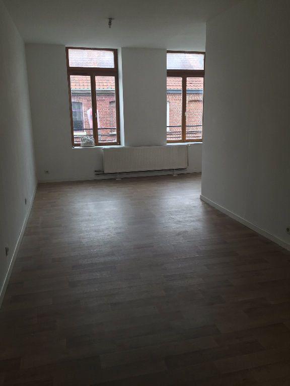 Appartement à louer 2 42.53m2 à Lille vignette-1