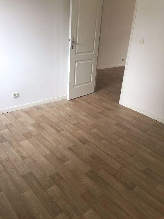 Appartement à louer 2 42.53m2 à Lille vignette-3