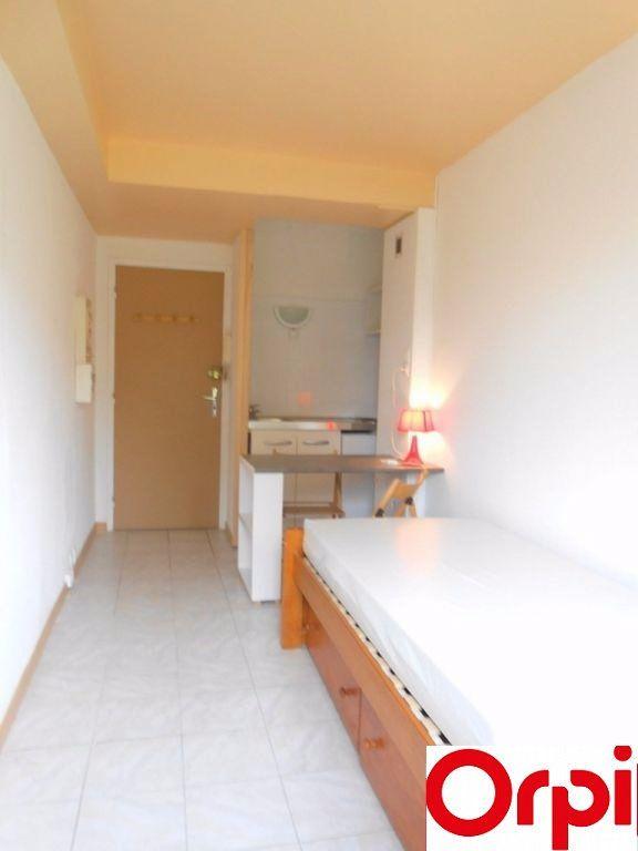 Appartement à louer 1 13.28m2 à Lille vignette-2
