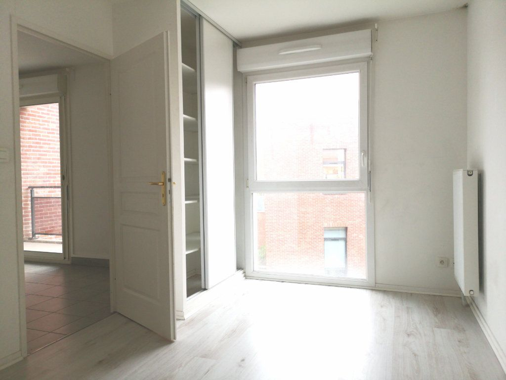 Appartement à louer 2 44.92m2 à Lille vignette-6