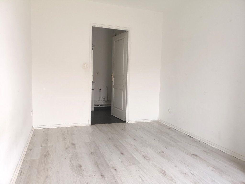 Appartement à louer 2 44.92m2 à Lille vignette-7