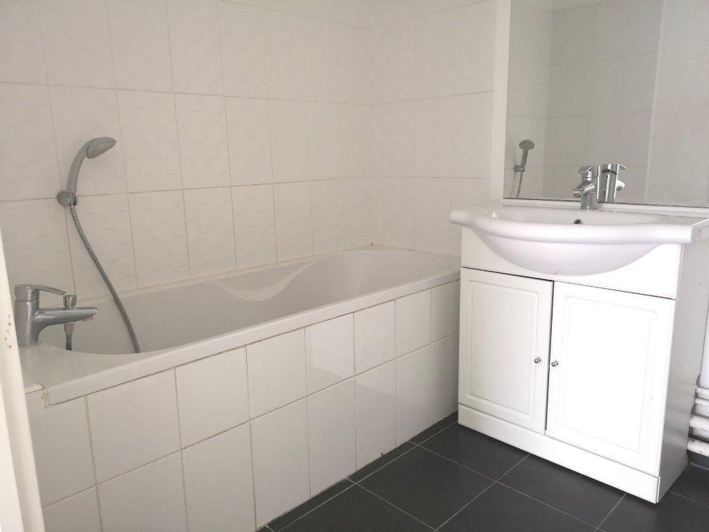 Appartement à louer 2 44.92m2 à Lille vignette-8