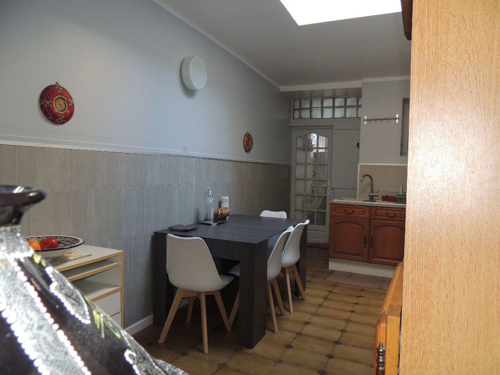 Maison à vendre 11 170m2 à Tourcoing vignette-4