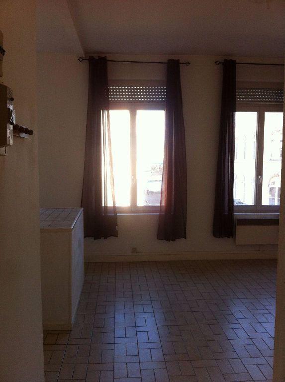 Appartement à louer 2 34.95m2 à Lille vignette-2