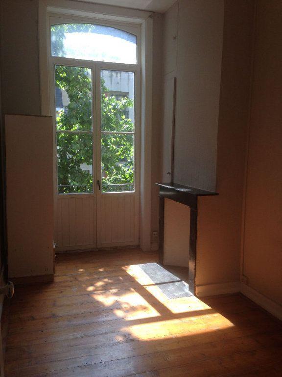 Appartement à louer 3 80m2 à Lille vignette-1
