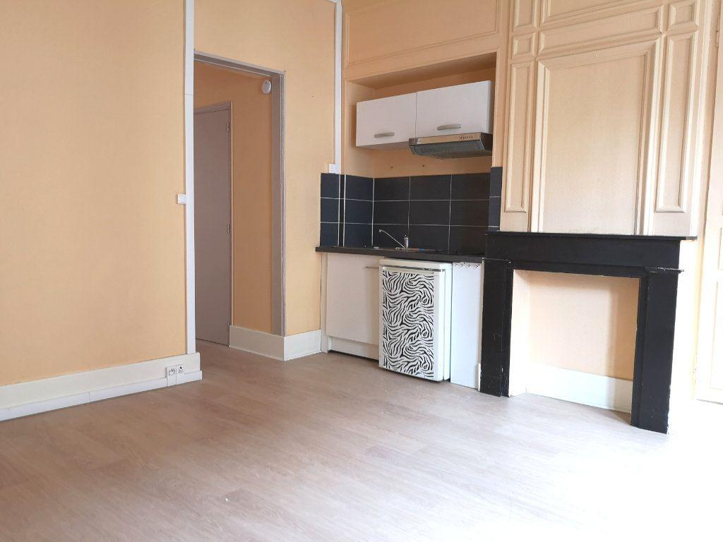 Appartement à louer 1 30m2 à Lille vignette-1