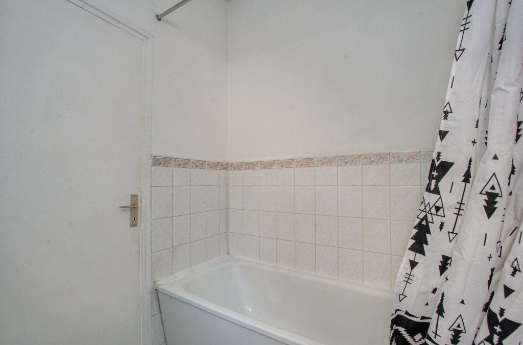 Appartement à vendre 2 37.18m2 à Lille vignette-9
