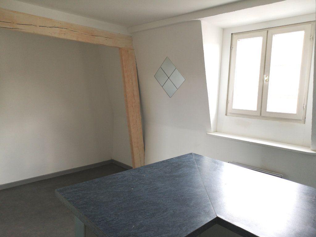 Appartement à louer 3 39.89m2 à Lille vignette-2