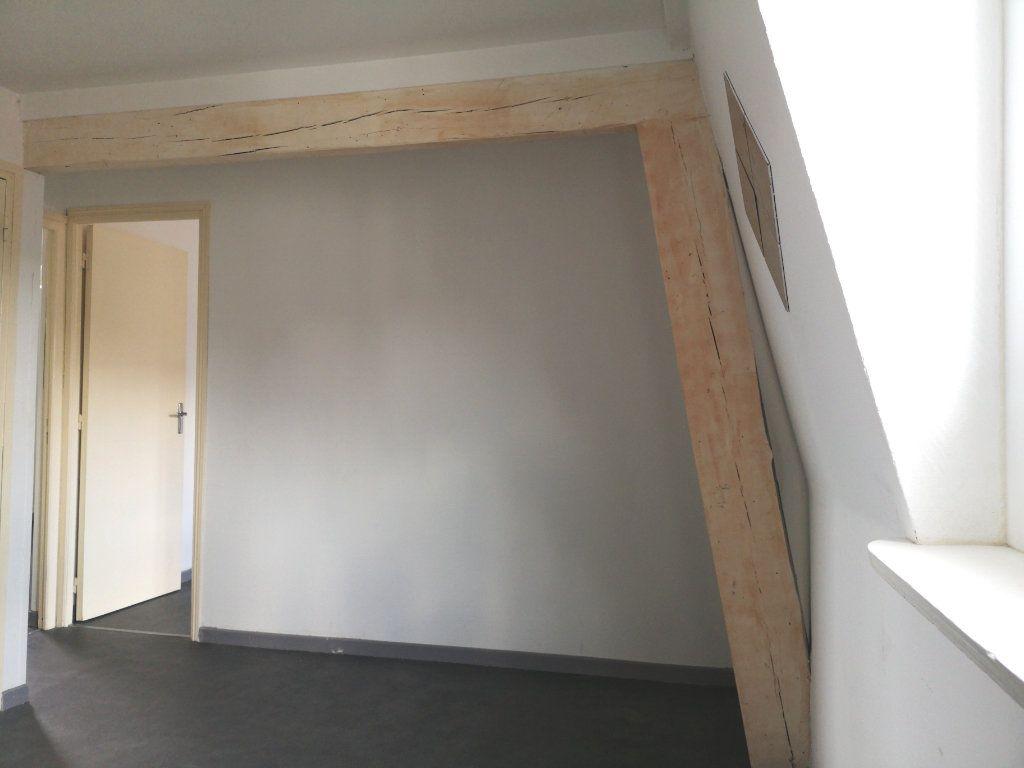 Appartement à louer 3 39.89m2 à Lille vignette-3