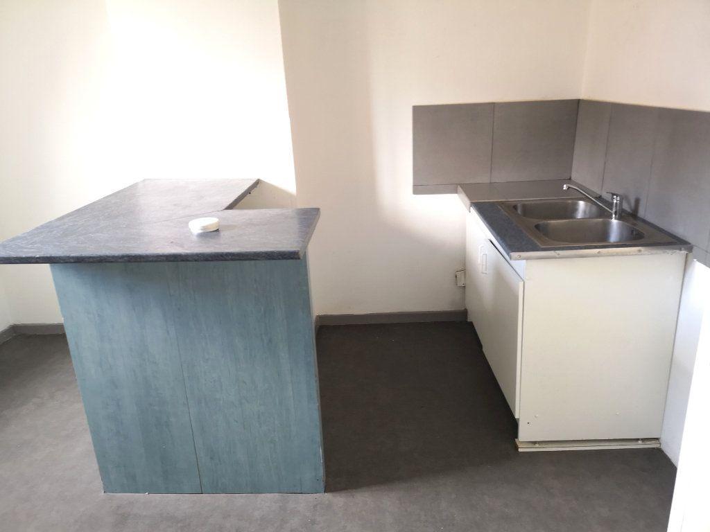 Appartement à louer 3 39.89m2 à Lille vignette-4