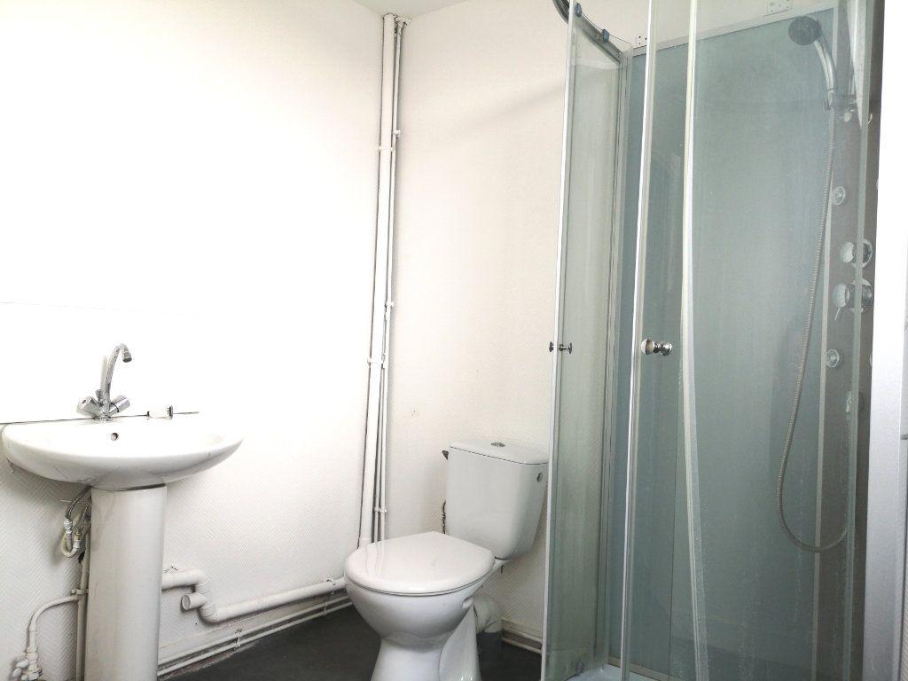 Appartement à louer 3 39.89m2 à Lille vignette-8