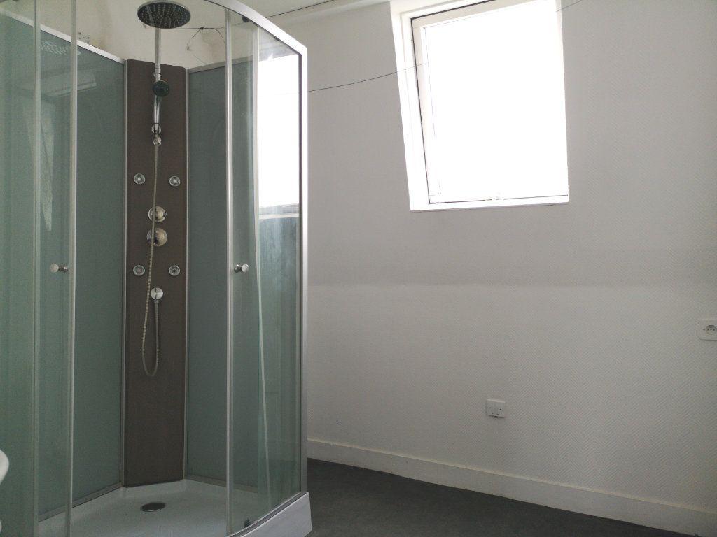 Appartement à louer 3 39.89m2 à Lille vignette-9