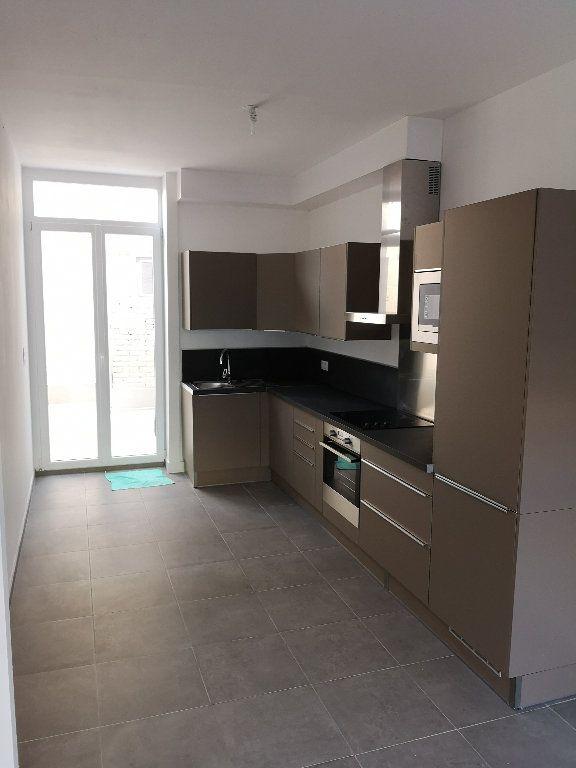 Maison à louer 4 96m2 à Mons-en-Baroeul vignette-1