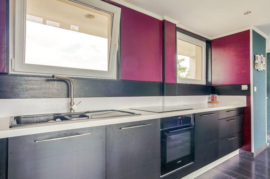 Appartement à vendre 5 106.92m2 à Tourcoing vignette-6