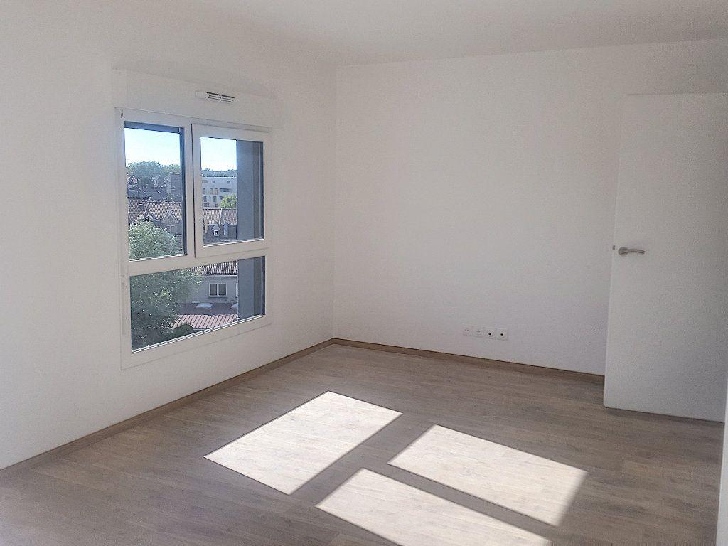 Appartement à louer 3 66.5m2 à Lille vignette-5