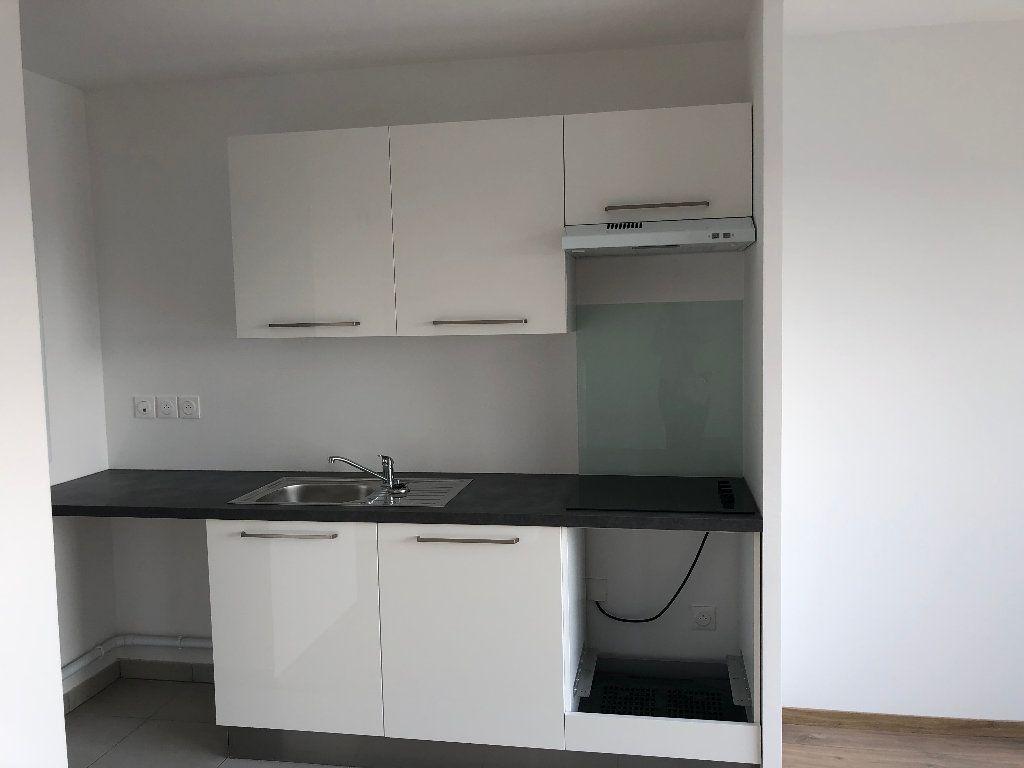 Appartement à louer 3 66.5m2 à Lille vignette-7
