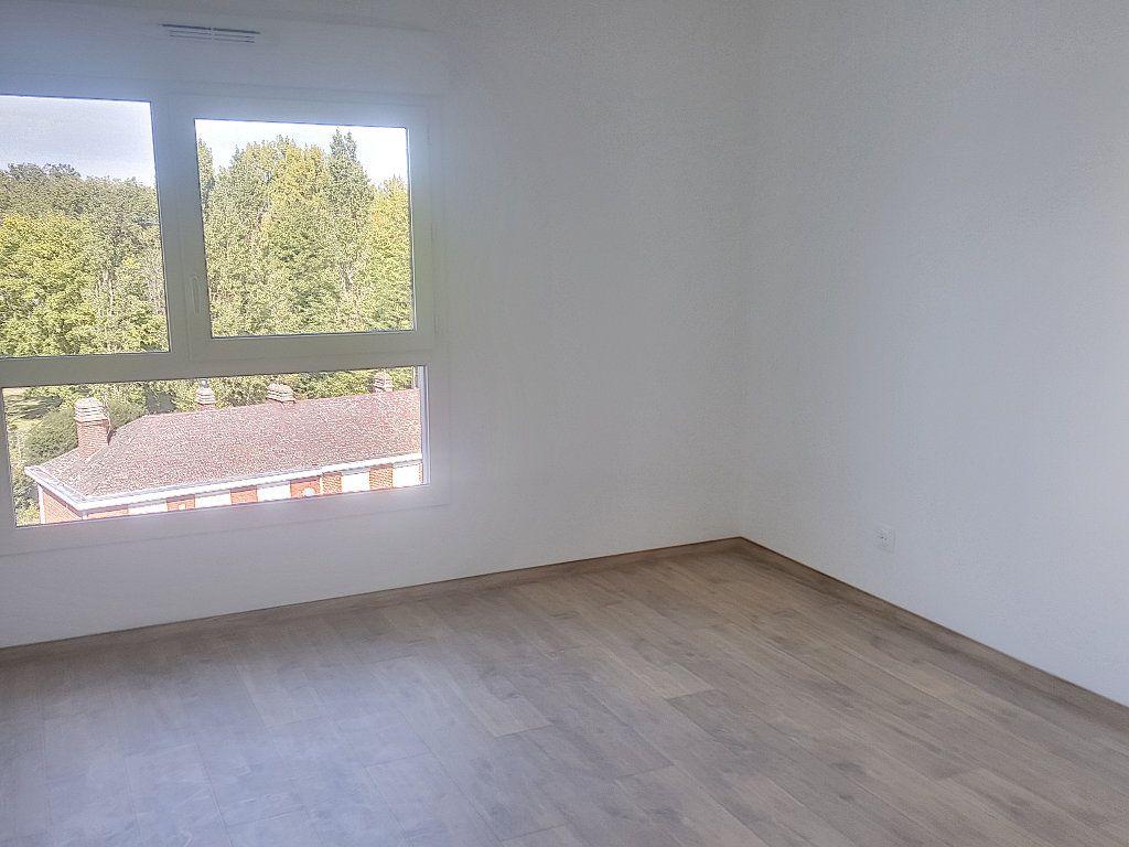 Appartement à louer 3 66.5m2 à Lille vignette-8