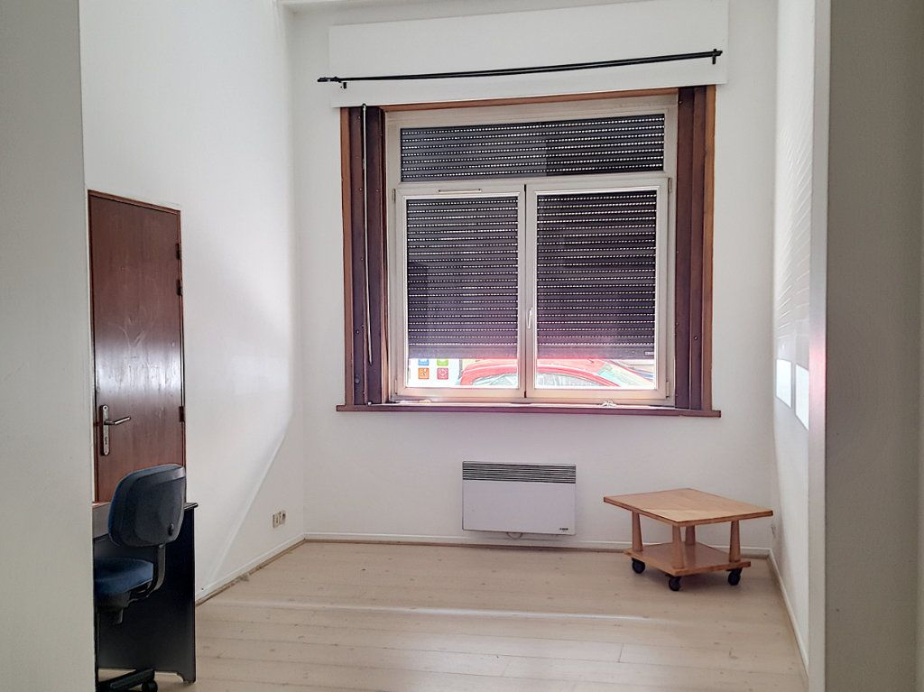 Appartement à louer 2 30.92m2 à Lille vignette-1