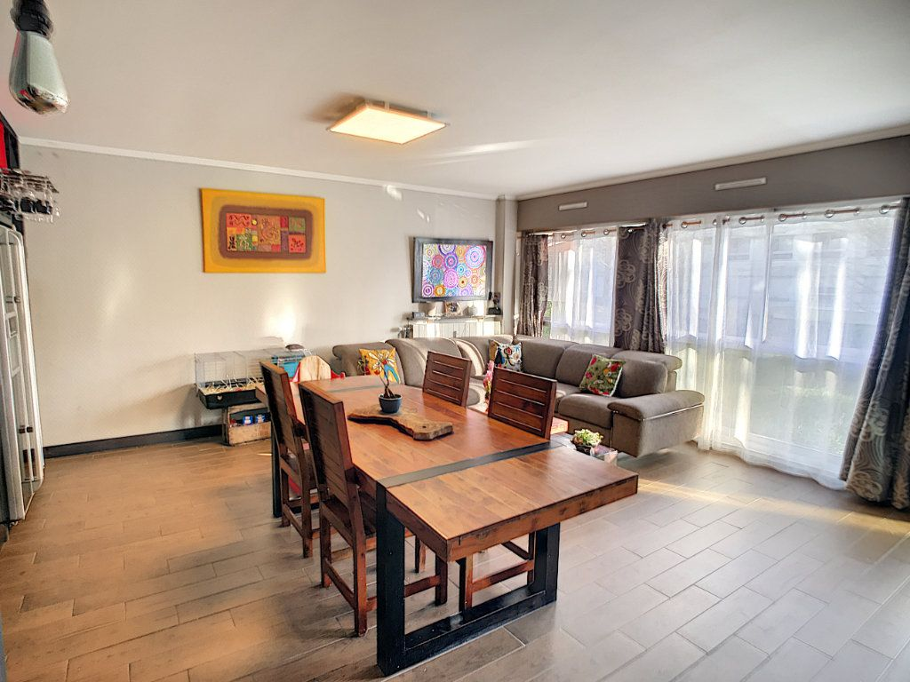 Appartement à vendre 4 90.59m2 à Lambersart vignette-2