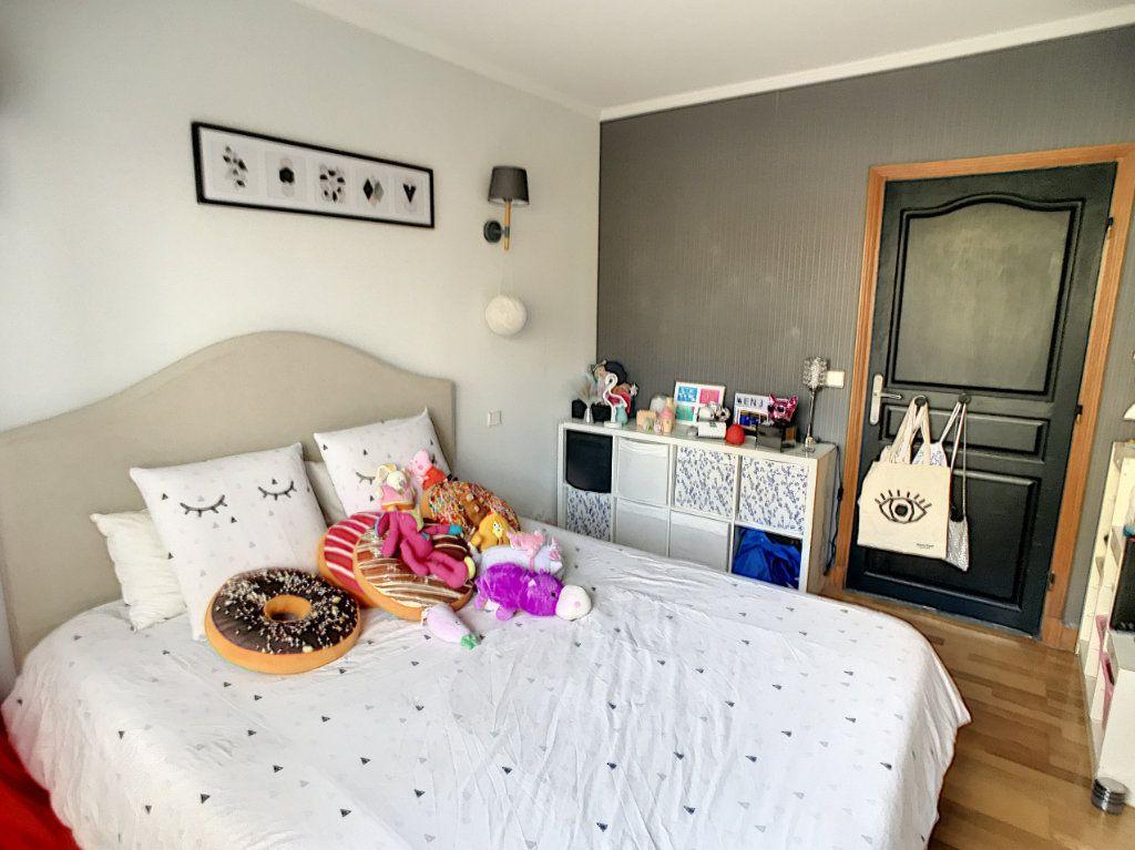 Appartement à vendre 4 90.59m2 à Lambersart vignette-3