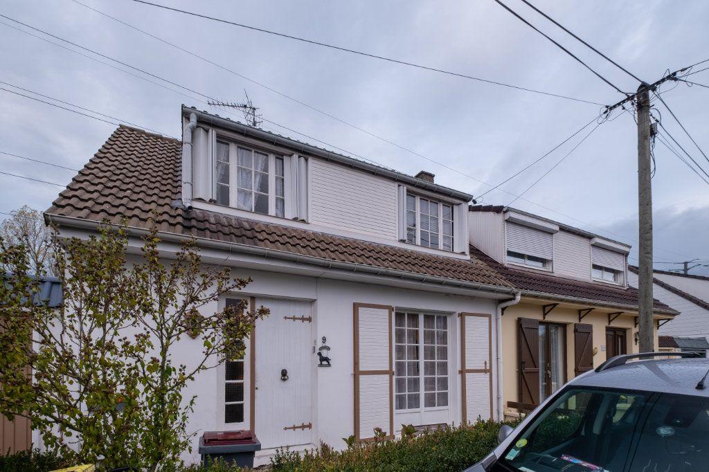 Maison à vendre 4 100m2 à Tourcoing vignette-1