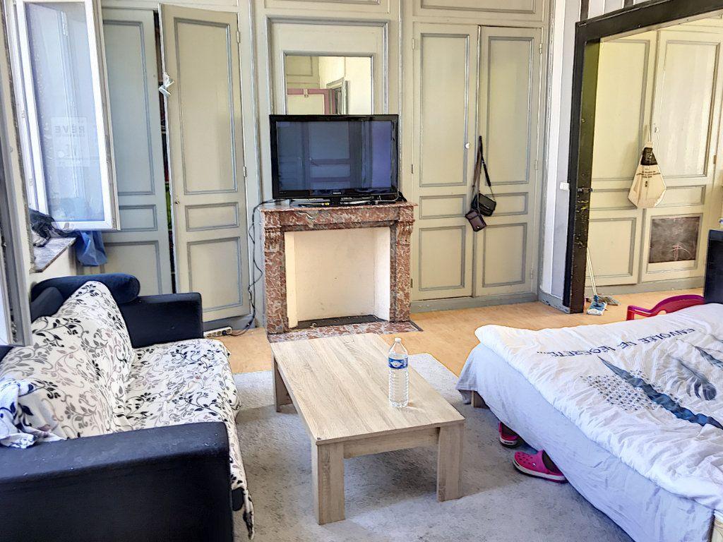 Immeuble à vendre 0 300m2 à Tourcoing vignette-2
