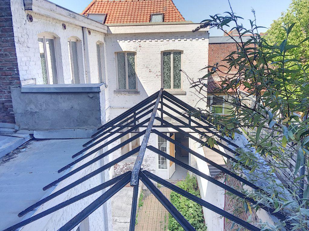Immeuble à vendre 0 300m2 à Tourcoing vignette-9