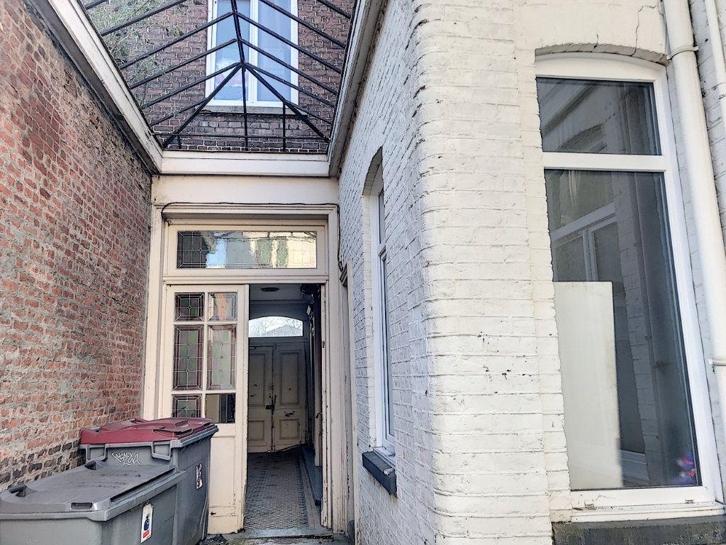 Immeuble à vendre 0 300m2 à Tourcoing vignette-10