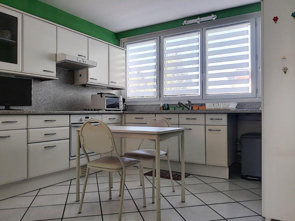 Appartement à vendre 4 86.03m2 à Tourcoing vignette-3