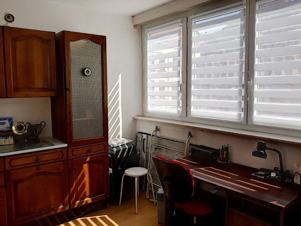 Appartement à vendre 4 86.03m2 à Tourcoing vignette-4