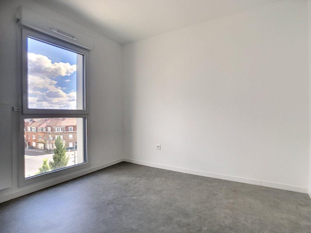 Appartement à louer 3 66m2 à Lille vignette-3