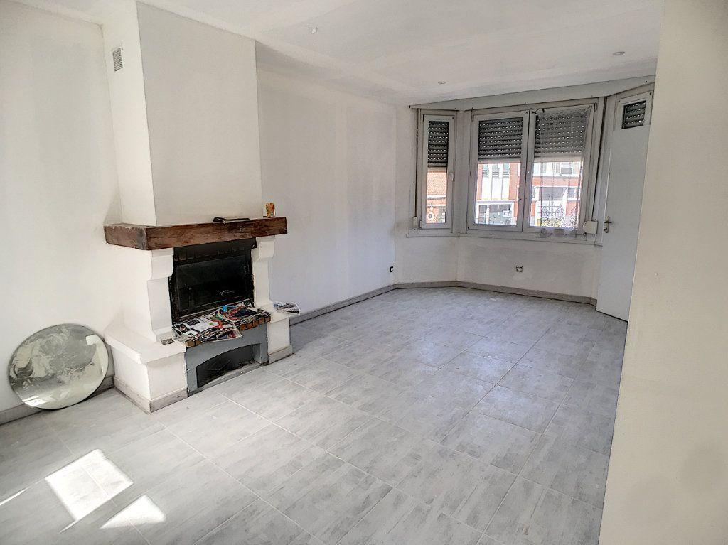 Maison à vendre 3 85.9m2 à Tourcoing vignette-1