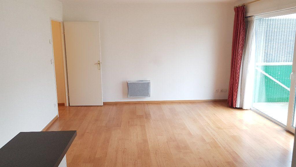 Appartement à louer 2 46.45m2 à Roubaix vignette-3