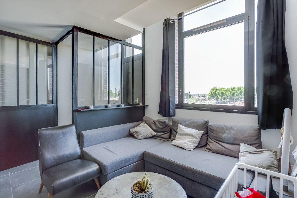 Appartement à vendre 4 87.82m2 à Tourcoing vignette-1