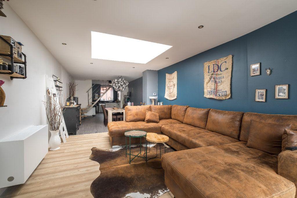 Maison à vendre 4 105m2 à Tourcoing vignette-4