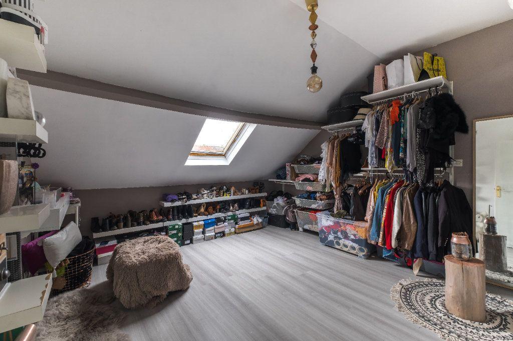 Maison à vendre 4 105m2 à Tourcoing vignette-10