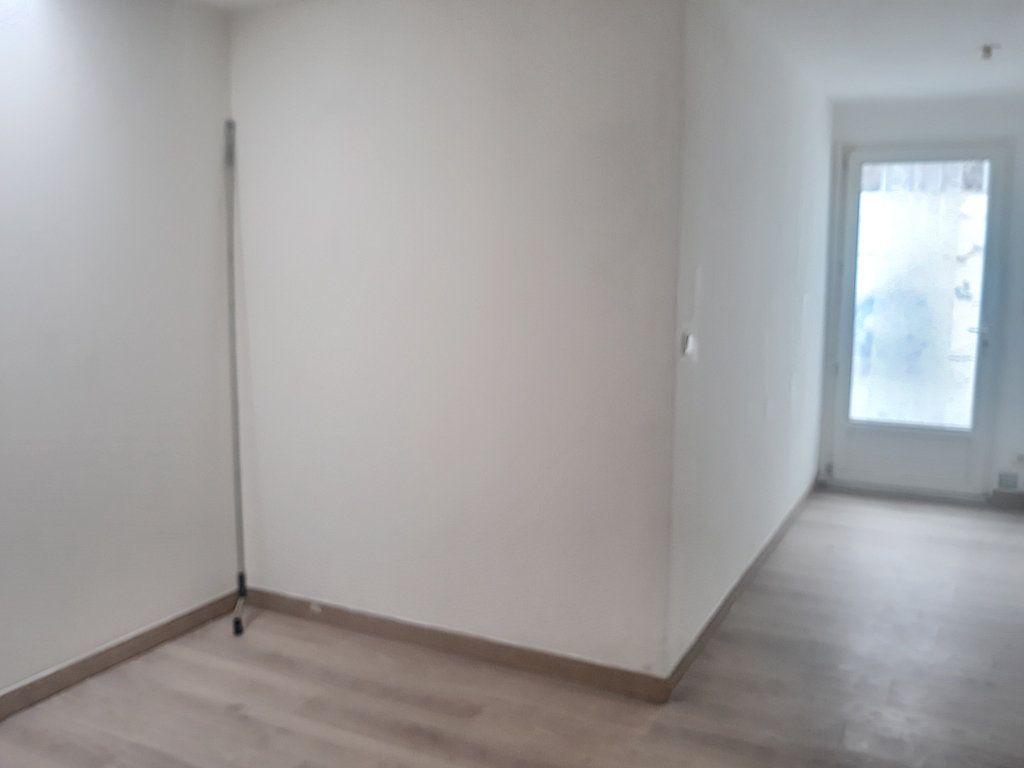 Immeuble à vendre 0 138m2 à Tourcoing vignette-4