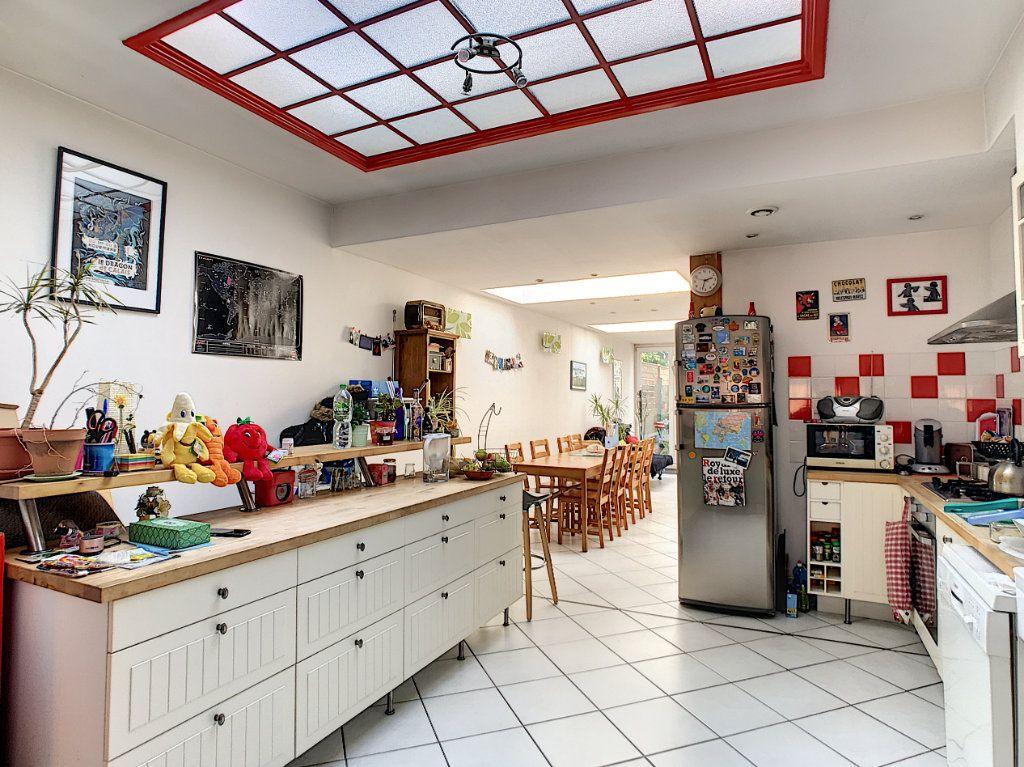Maison à vendre 6 143.95m2 à Lille vignette-1