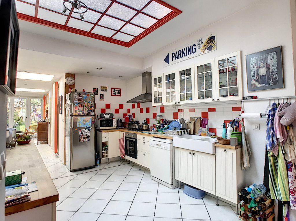 Maison à vendre 6 143.95m2 à Lille vignette-2