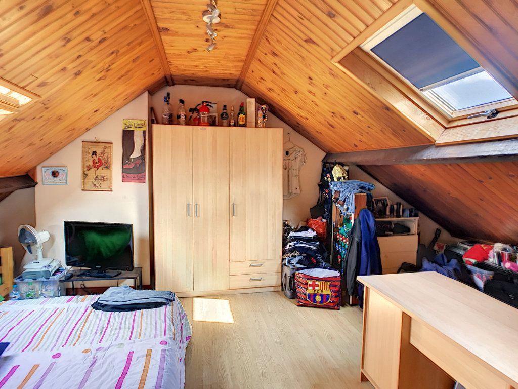Maison à vendre 6 143.95m2 à Lille vignette-11