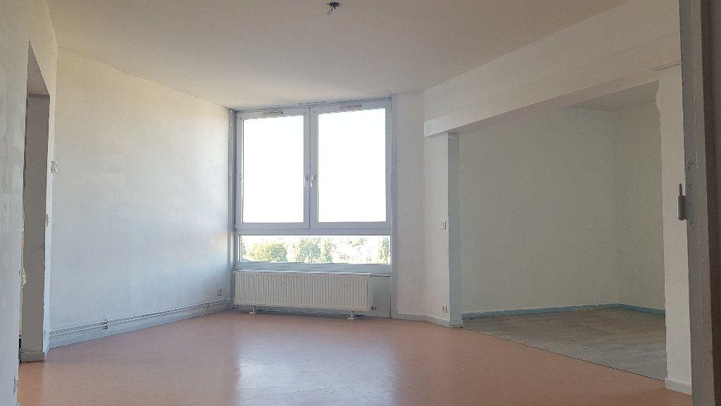 Appartement à louer 4 82m2 à Tourcoing vignette-1