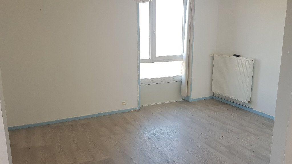 Appartement à louer 4 82m2 à Tourcoing vignette-4