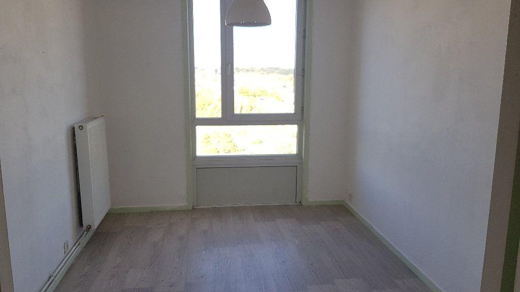 Appartement à louer 4 82m2 à Tourcoing vignette-8