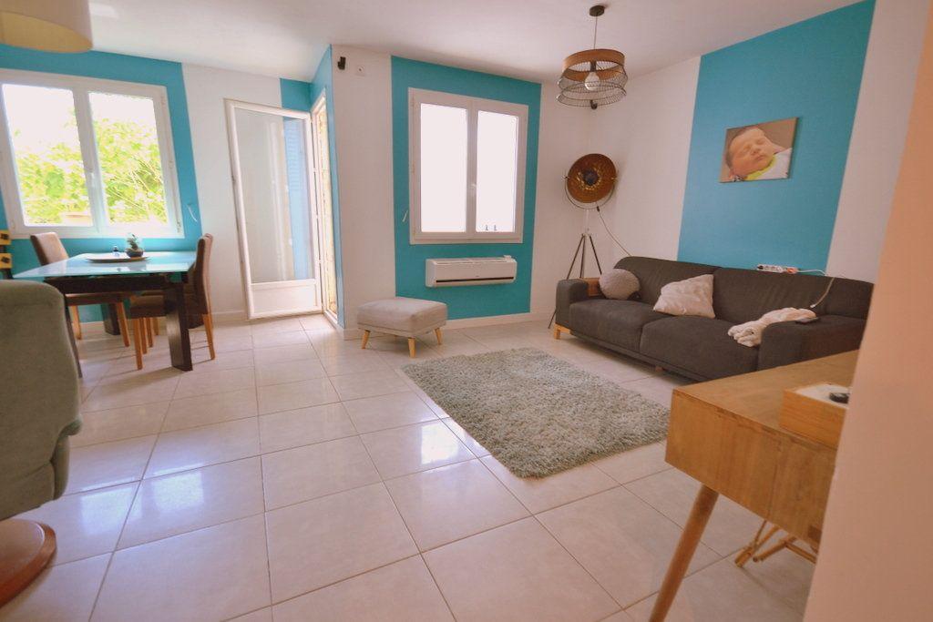 Appartement à vendre 3 66.42m2 à Castelnau-le-Lez vignette-2