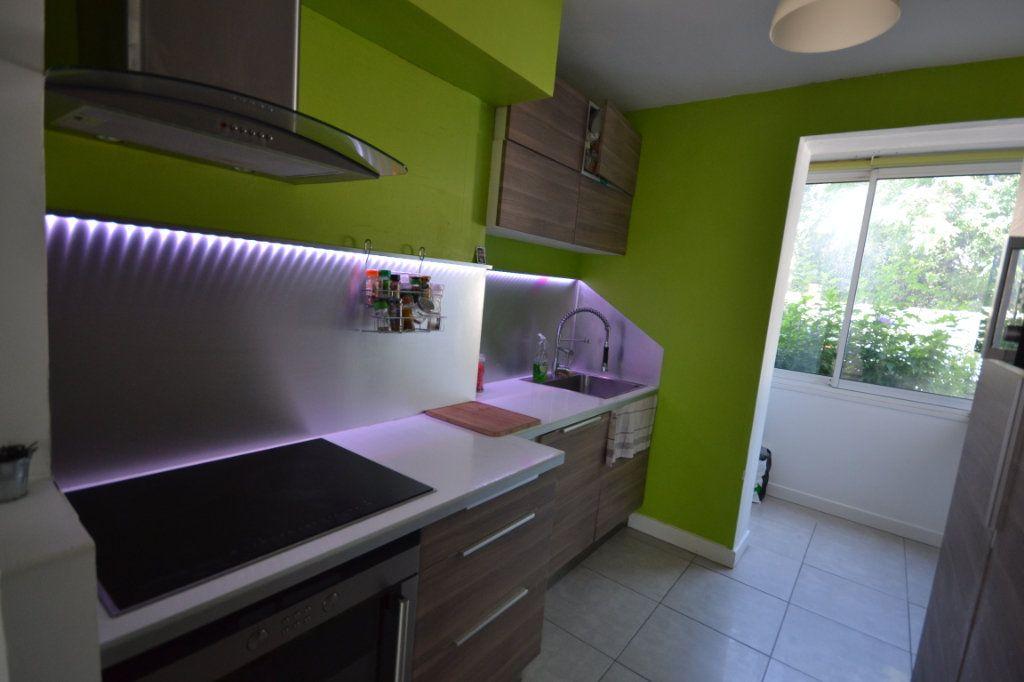 Appartement à vendre 3 66.42m2 à Castelnau-le-Lez vignette-4