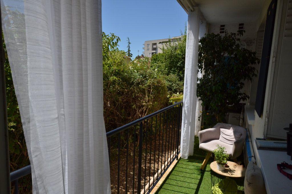 Appartement à vendre 3 66.42m2 à Castelnau-le-Lez vignette-5