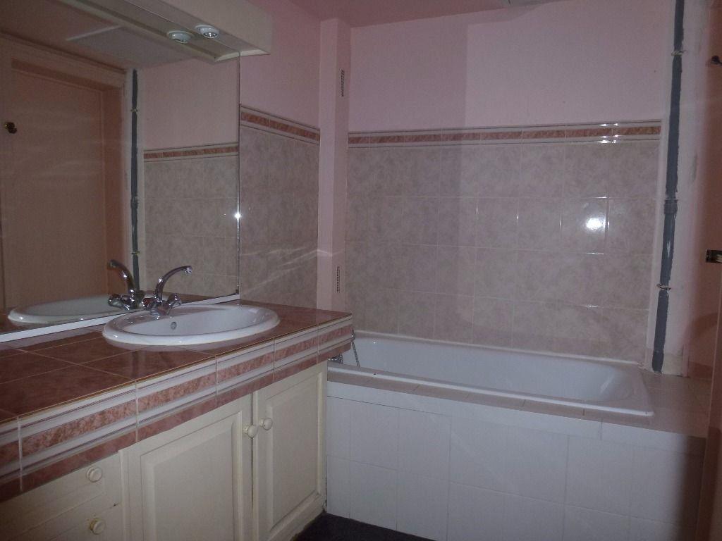 Appartement à louer 4 97.81m2 à Limoges vignette-10