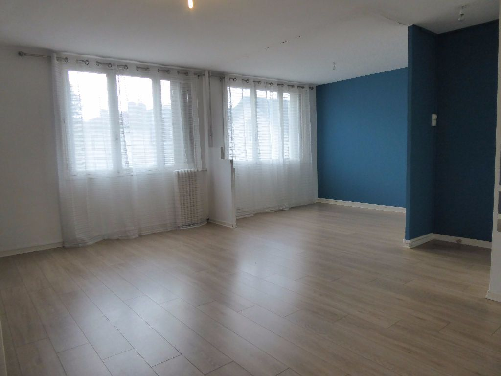 Appartement à louer 4 66.35m2 à Limoges vignette-6