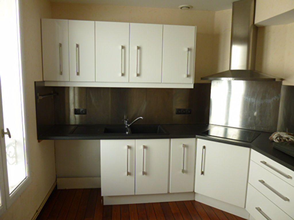 Appartement à louer 3 86.01m2 à Limoges vignette-2